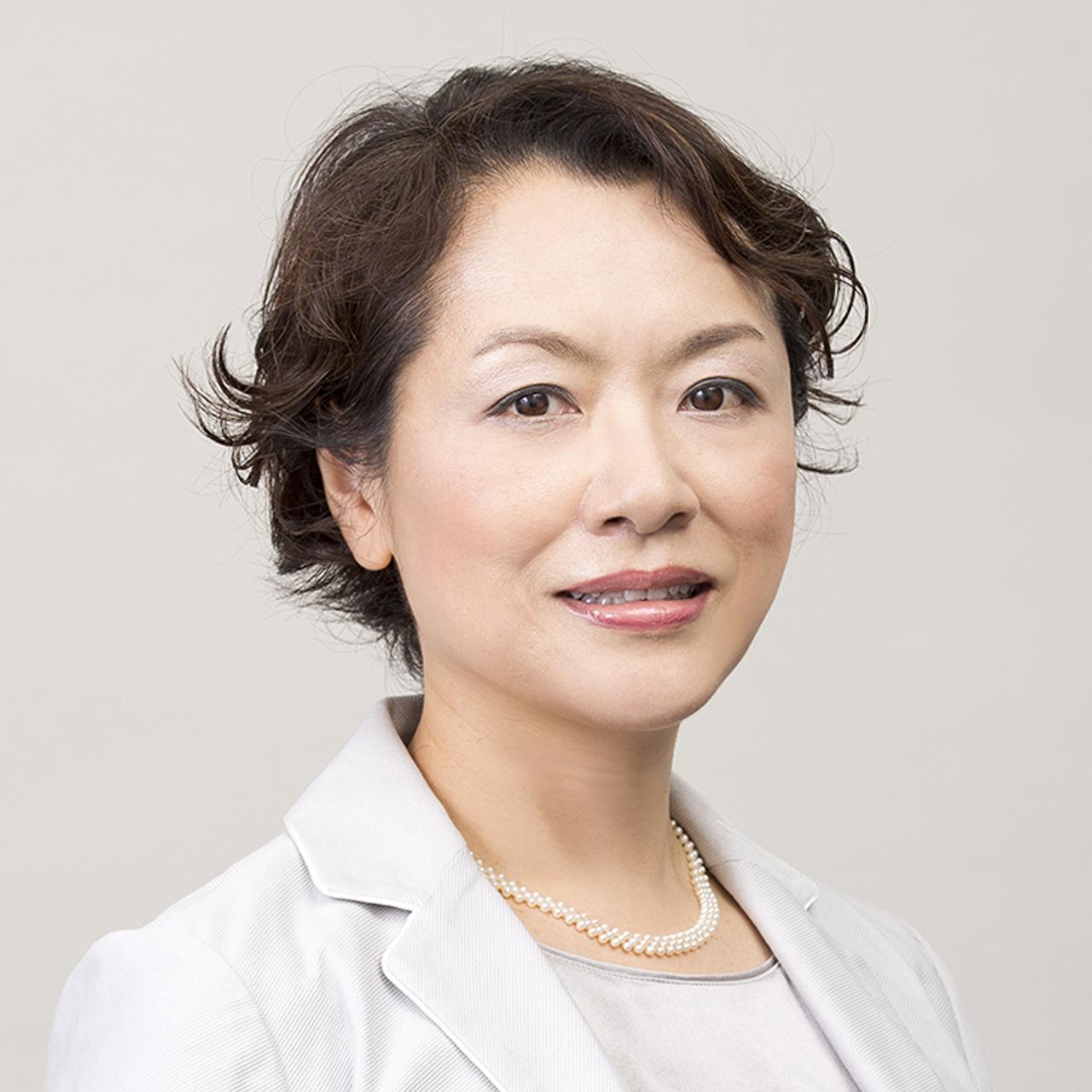 執行役員 企画調査部長 波潟 郁代 Ikuyo Namigata