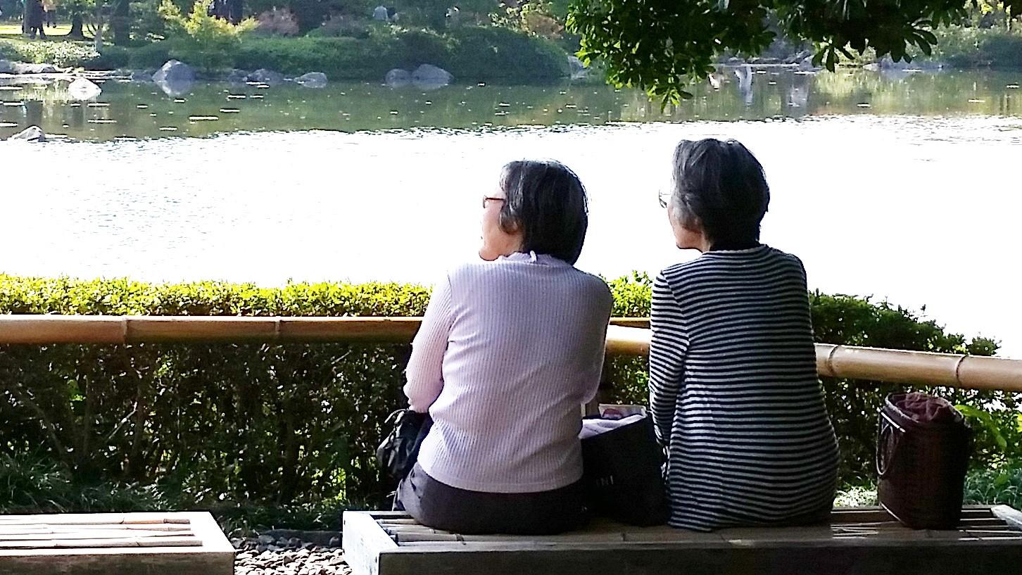 データから見る「長寿時代」におけるこれからの高齢者の旅行について