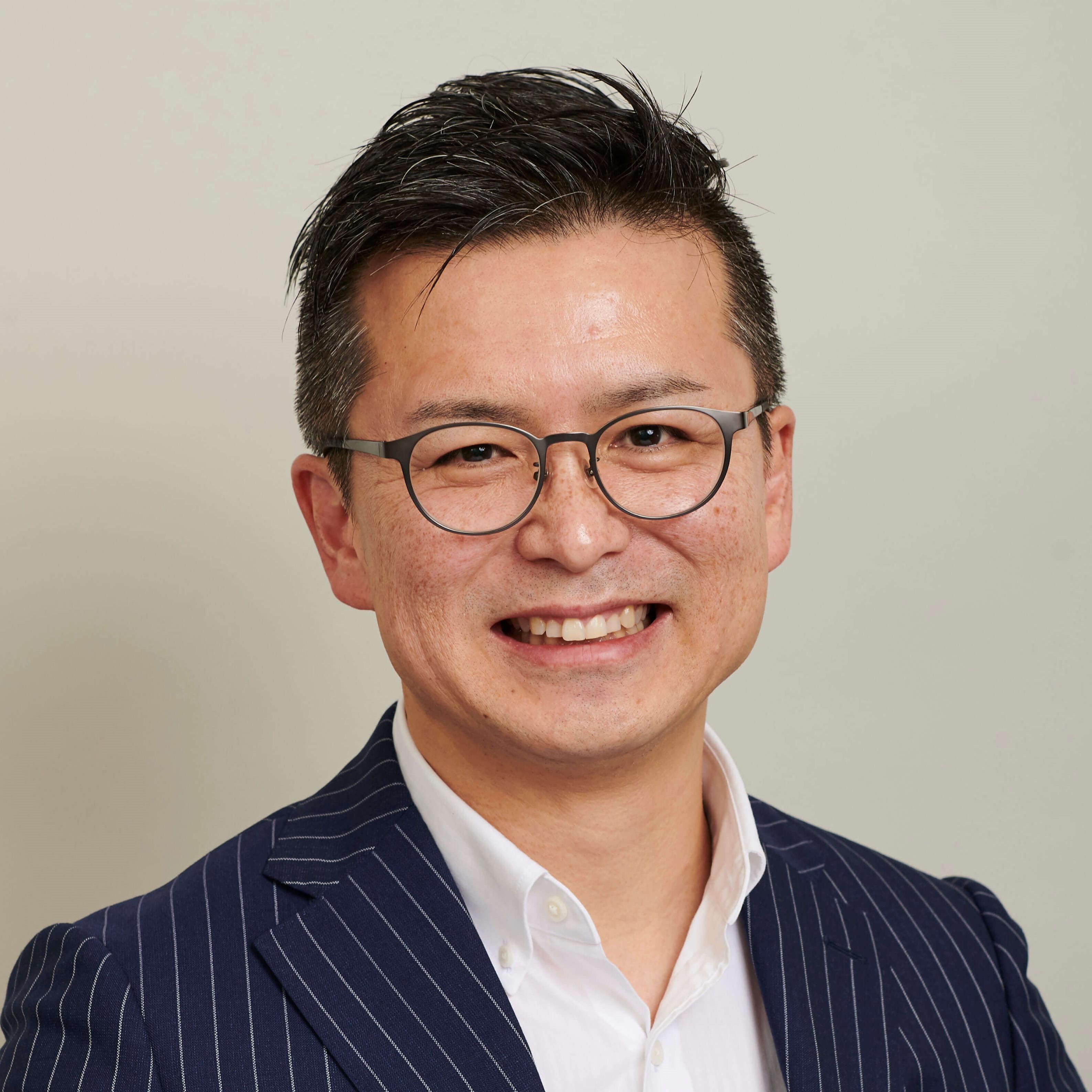 主席研究員 兼 ヘルスケア推進室長(ヘルスツーリズム研究所長) 髙橋 伸佳 Nobuyoshi Takahashi
