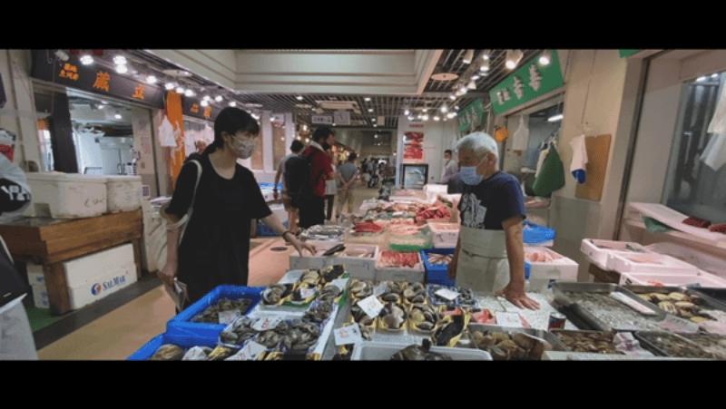 築地場外市場魚屋
